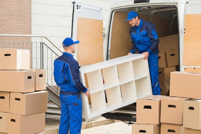Décharger camion déménagement